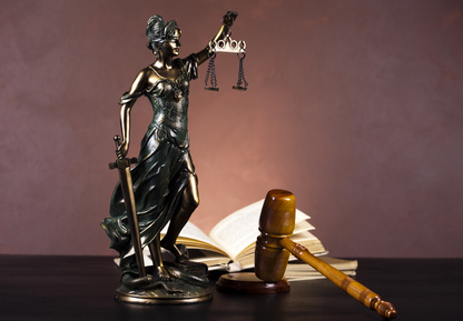 Statue of Lady Justice © Sebastian Duda, Fotolia #35822634.