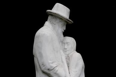 statue-1580499_1280