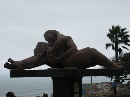 miraflores-statue