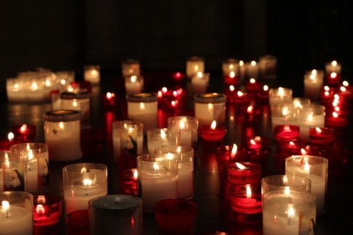candles-3029875_1920